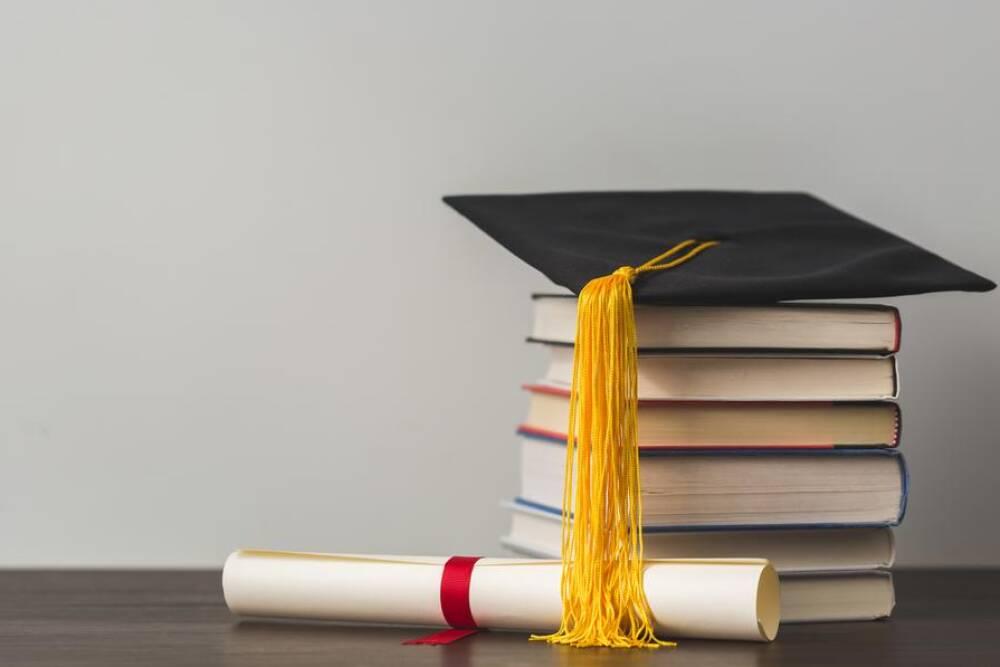 libri e diploma