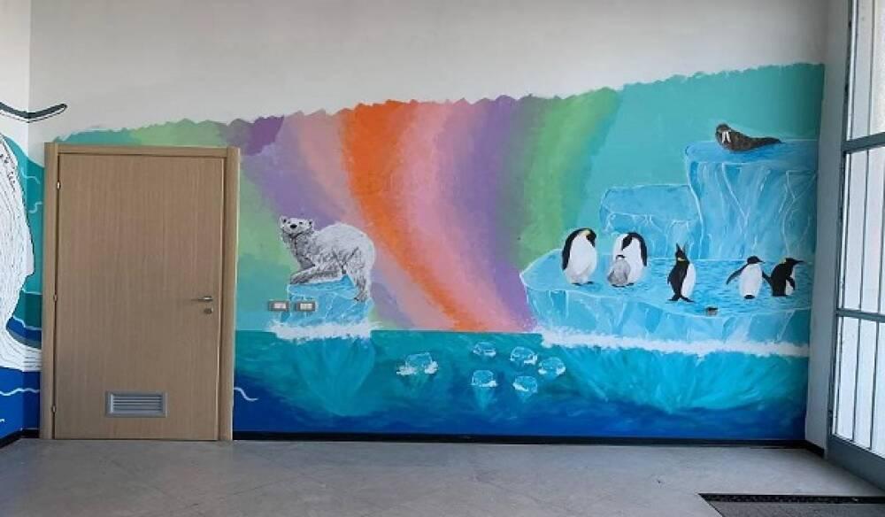 Dipinti sulle pareti degli studenti