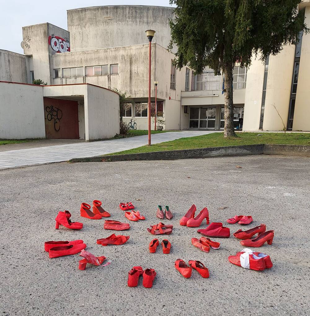 scarpe rosse sede