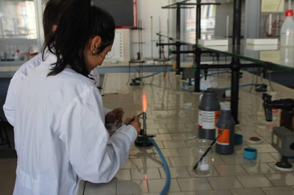 48 Casale - laboratorio chimica