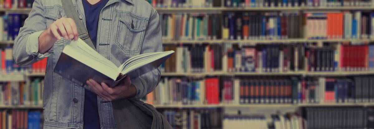 biblioteca-studente