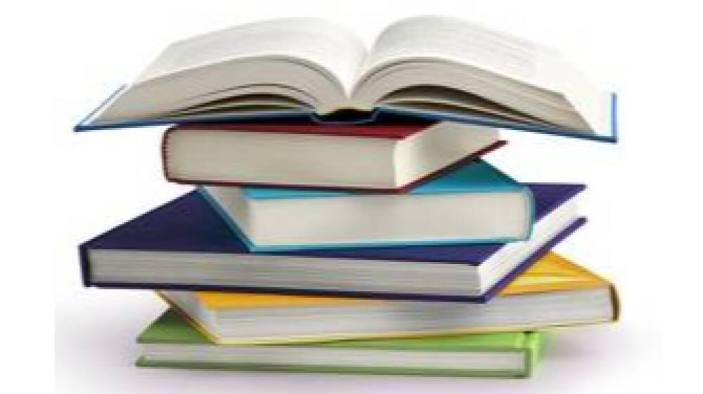 Libri in pila 2 - ritaglio