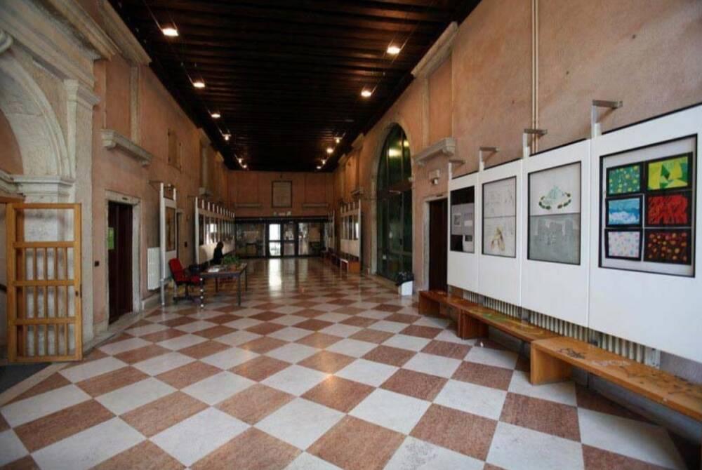 Palazzo Giustinian Recanati Basadonna - androne